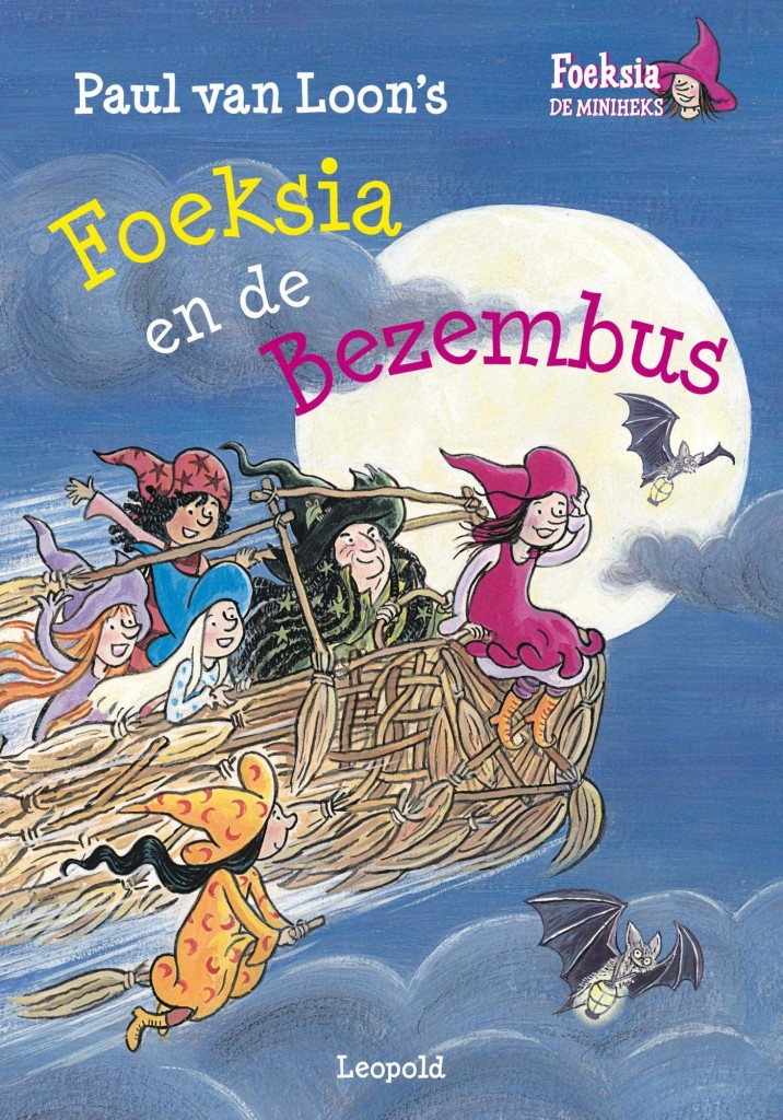 Foeksia, Foeksia en de Bezembus, Paul van Loon, Saskia Halfmouw, Nightsky, Brooms, Flying, Moon, Bats, Blue, Girls, Teacher