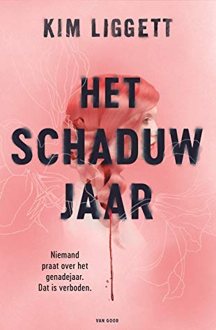Het schaduwjaar, Kim Liggett, Braid, Hair, Side of Face, Pink, Red, Black Letters, Cover