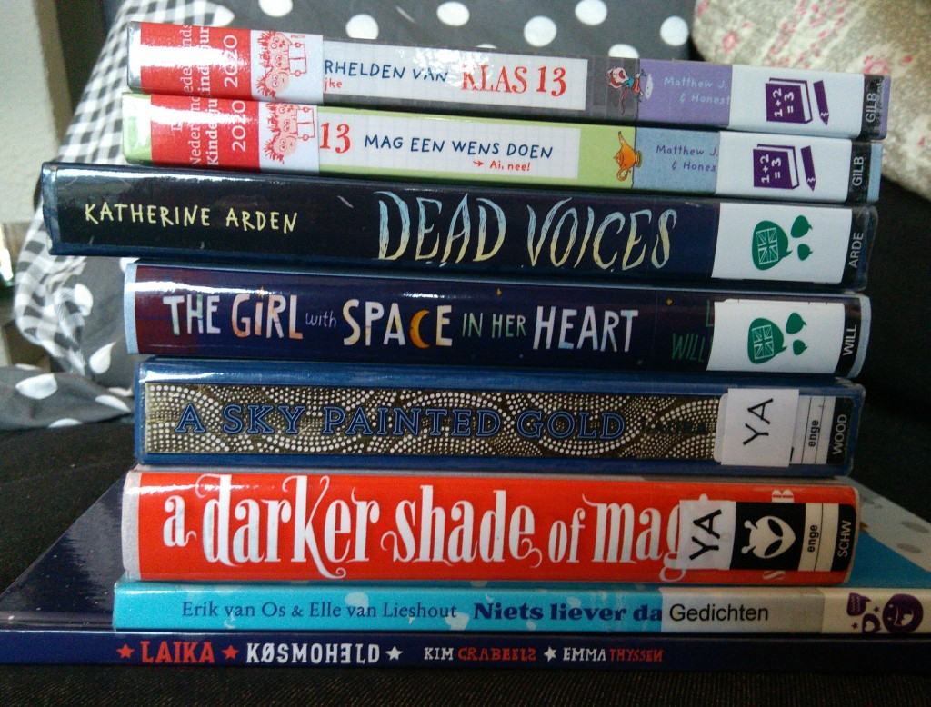 Bibliotheek Delft, Dead Voices, Girls with Space in her Heart, Darker Shade of Magic, Books, Classroom 13, Stack of Books, Library #1