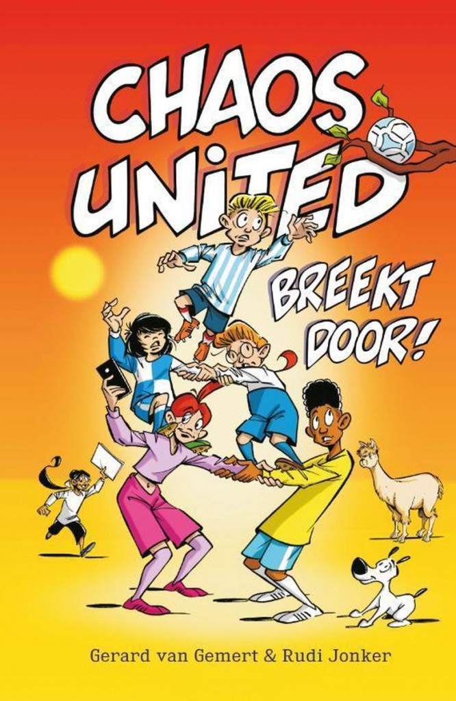Rudi Jonker, Sports, Summer, Humour, Funny, Children's Books, Boys, Girl, Ball, Tree Branch, Chaos United breekt door!, Orange, Soccer, Children's Books, Illustrations, Gerard Gemert,