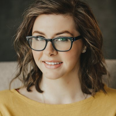 Teagan Hunter, Yellow Shirt, Glasses, Brown Hair, Author, Photograph
