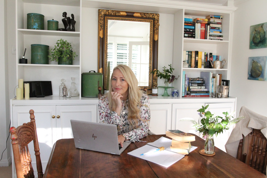 Nikki Lee Taylor, Laptop, Mirror, Desk, Plant, Books, Author, Blonde Hair