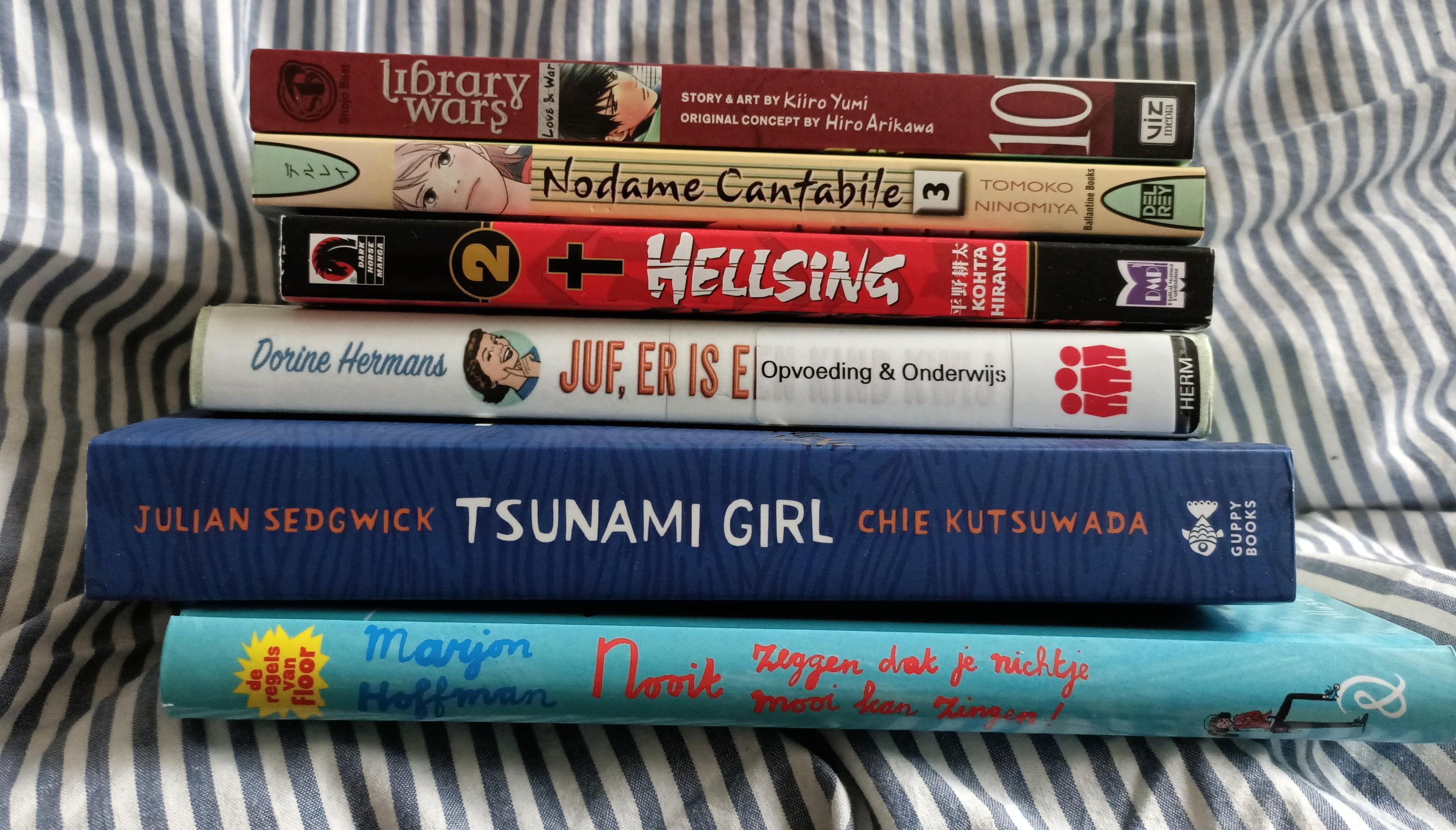 Reading, books, tbr, manga, library
